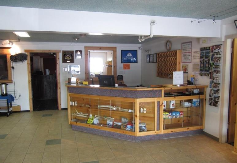 Canadas Best Value Inn River View Hotel, Whitehorse, Lobby