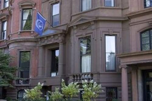 波士頓學院俱樂部飯店/