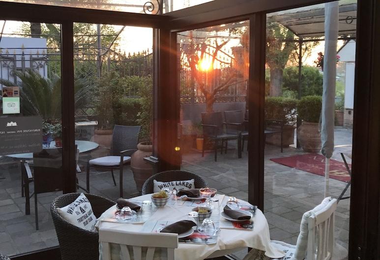 Euro House Inn Airport Hotel & Residence, Fiumicino, Kültéri étkezés
