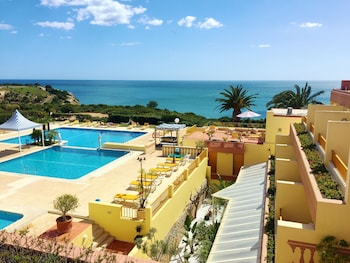 Picture of Hotel Baía Cristal Beach & Spa Resort in Carvoeiro