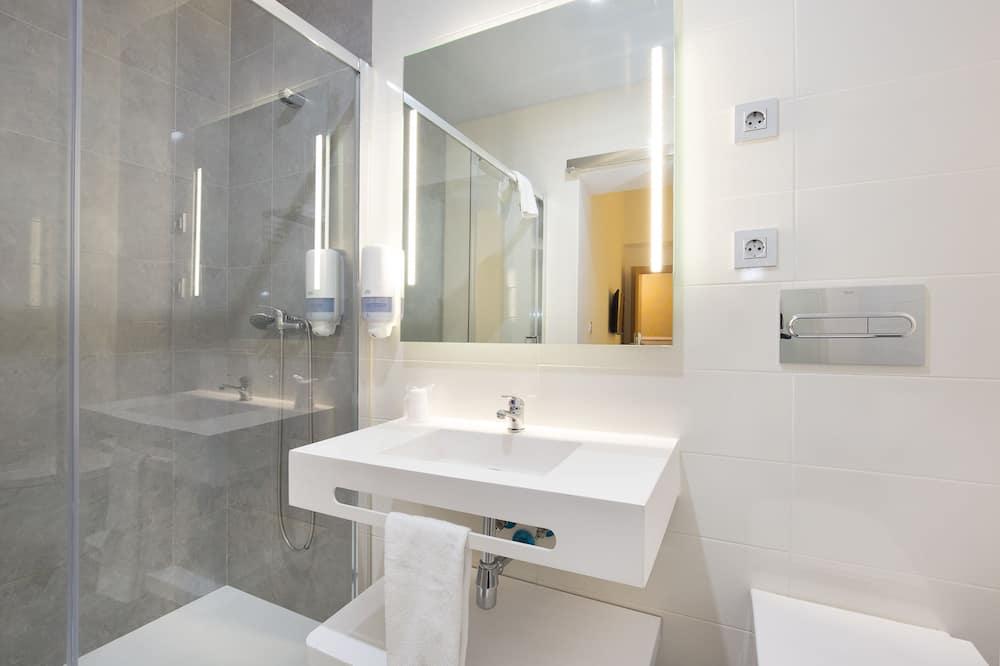 Pokój dwuosobowy z 1 lub 2 łóżkami - Łazienka