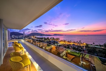 Picture of Andaman Beach Suites Hotel in Patong