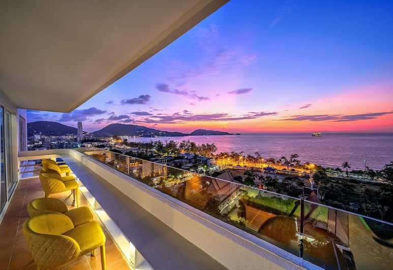 Andaman Beach Suites Hotel, Patong, Hotel Lounge