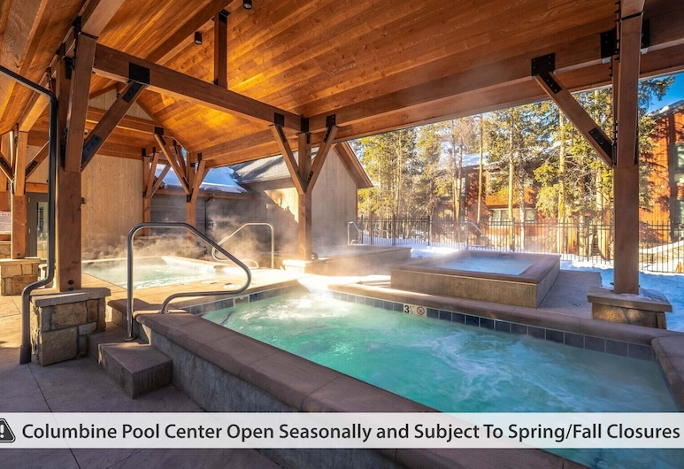 Powderhorn Condominiums by Ski Country Resorts, Breckenridge, Outdoor Spa Tub