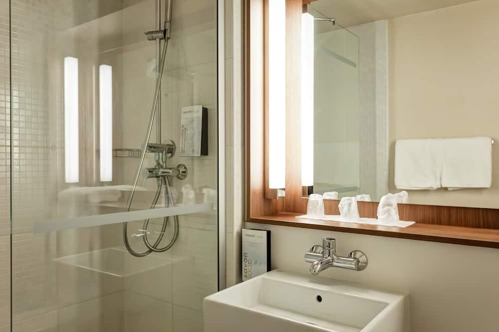 Štandardná izba, 3 jednolôžka - Kúpeľňa
