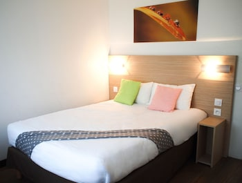 Enter your dates to get the La Rochelle hotel deal