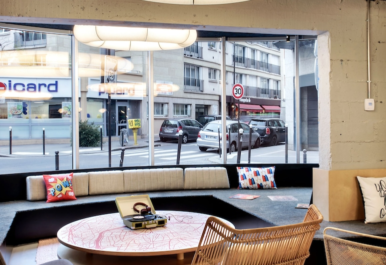 Moxy Paris Bastille France, Paris, Lobby Sitting Area