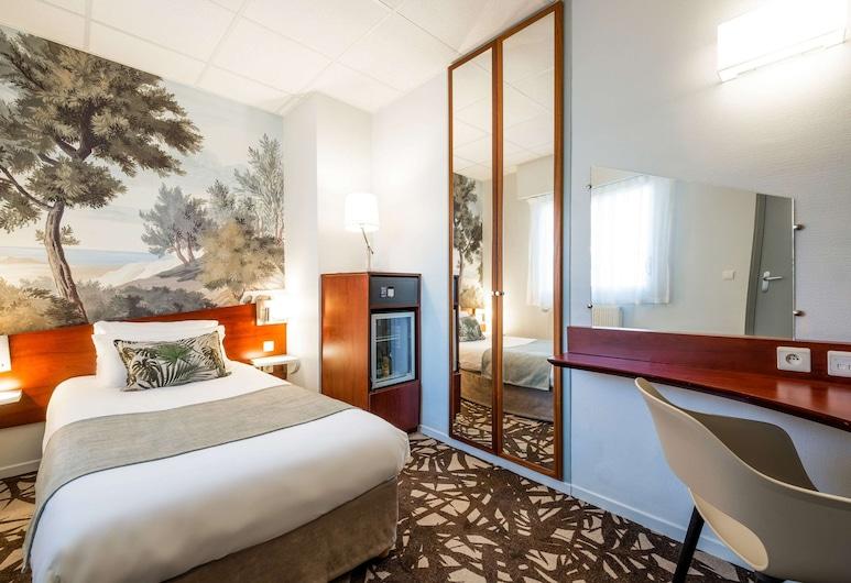 Quality Hotel Pau Centre Bosquet, Pau, Guest Room