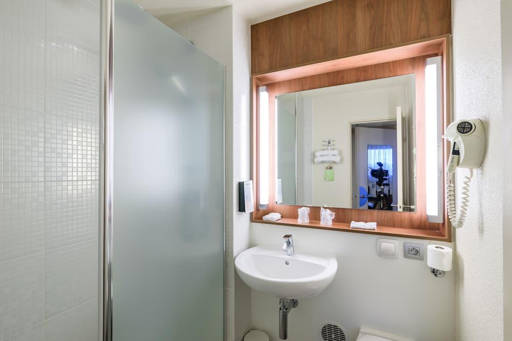 Next Generation, Standard Room, Multiple Beds - Bathroom