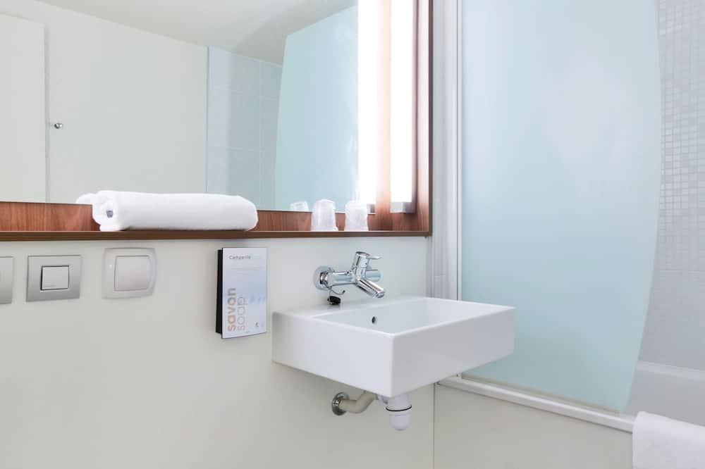 Next Generation, Double Room - Bathroom