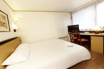 Choose This Mid-Range Hotel in Armbouts-Cappel