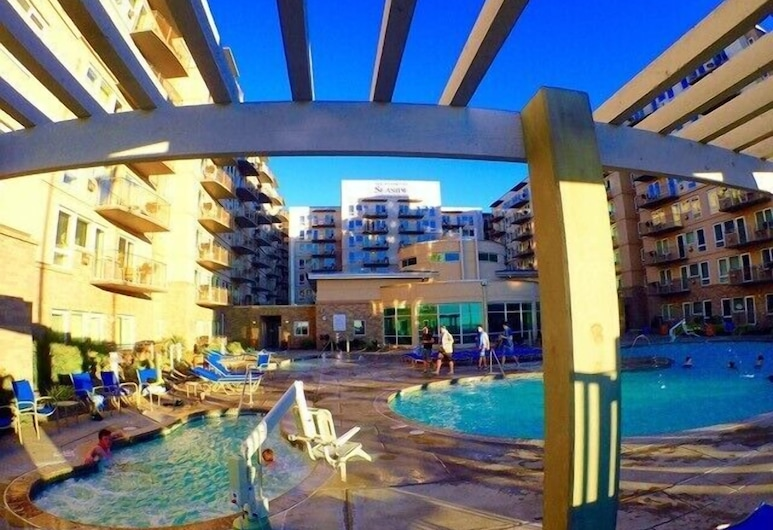 Resort at Seaside, Морской пляж, Бассейн с водопадом