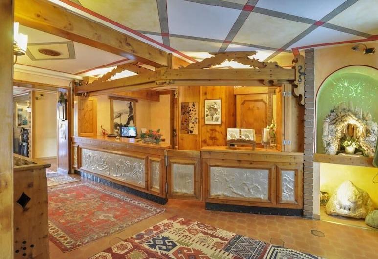 Hotel Da Compagnoni, Червінія, Фойє