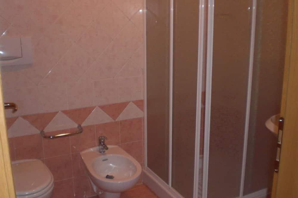 四人房, 山景 - 浴室