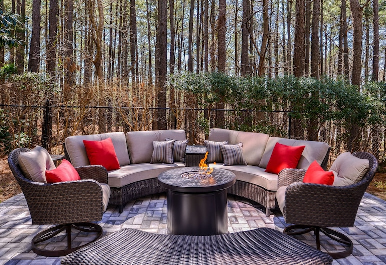 Country Inn & Suites by Radisson, Raleigh-Durham Airport, NC, Morrisville, Terrace/Patio