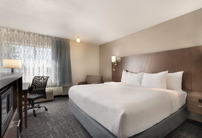 Baymont by Wyndham Des Moines North, Des Moines, Room, 1 King Bed, Non Smoking (Modern Room), Guest Room