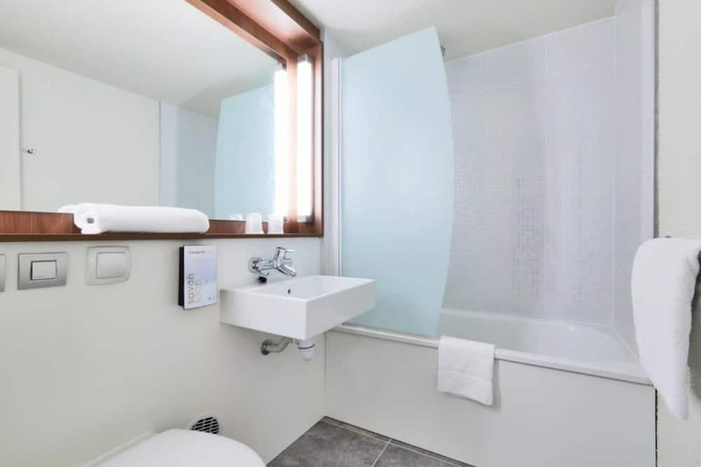 Standard Room, 2 Twin Beds (1 Junior Bed up to 10 years) - Bathroom