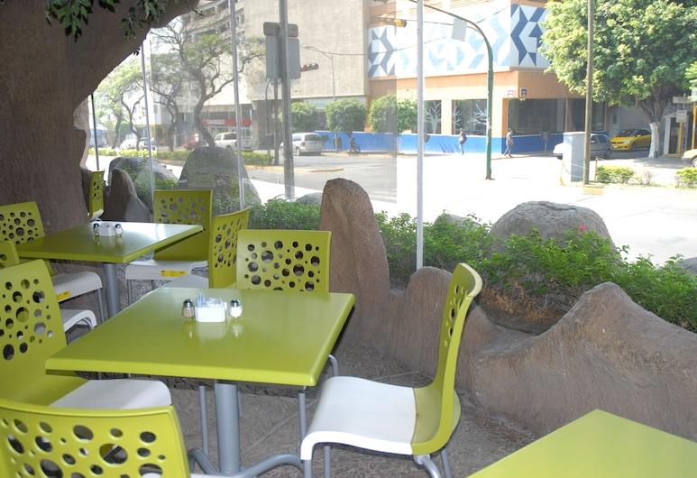 瓜達拉哈拉阿蘭薩蘇經濟賓館, 瓜達拉哈拉, 室外用餐