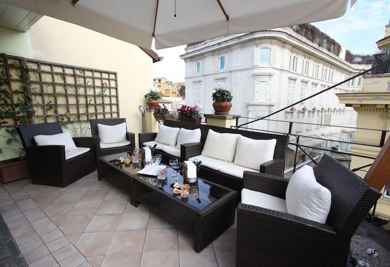 Hotel La Fenice, Rom, Teres/Laman Dalam