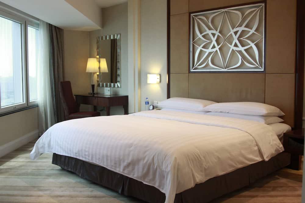 Habitación superior, 1 cama King size - Vista a la ciudad