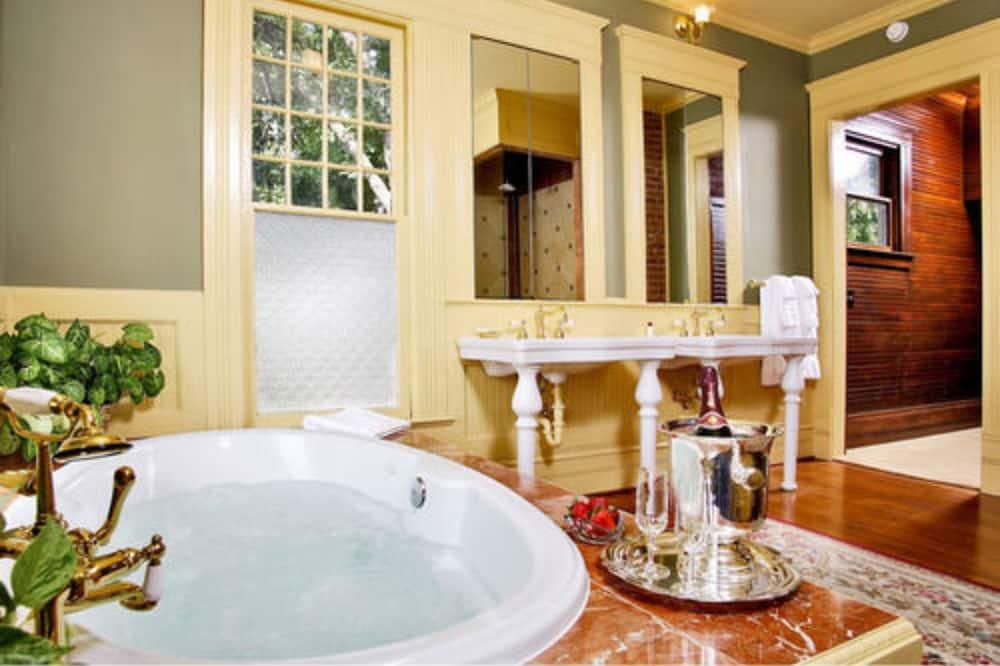 Standardní pokoj, dvojlůžko (200 cm), nekuřácký (Presidential Suite) - Koupelna