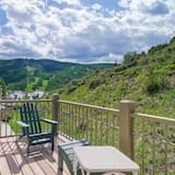 House, Multiple Beds, Mountain View (Four-Bedroom House) - Balcony