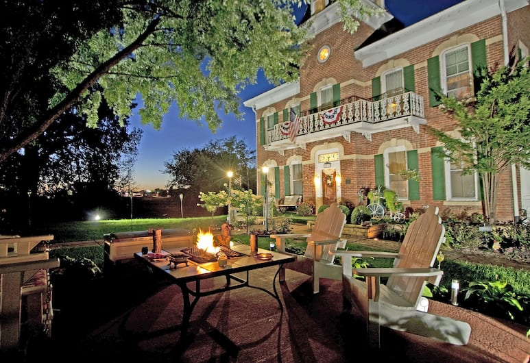 Cloran Mansion Bed & Breakfast, Γκαλένα