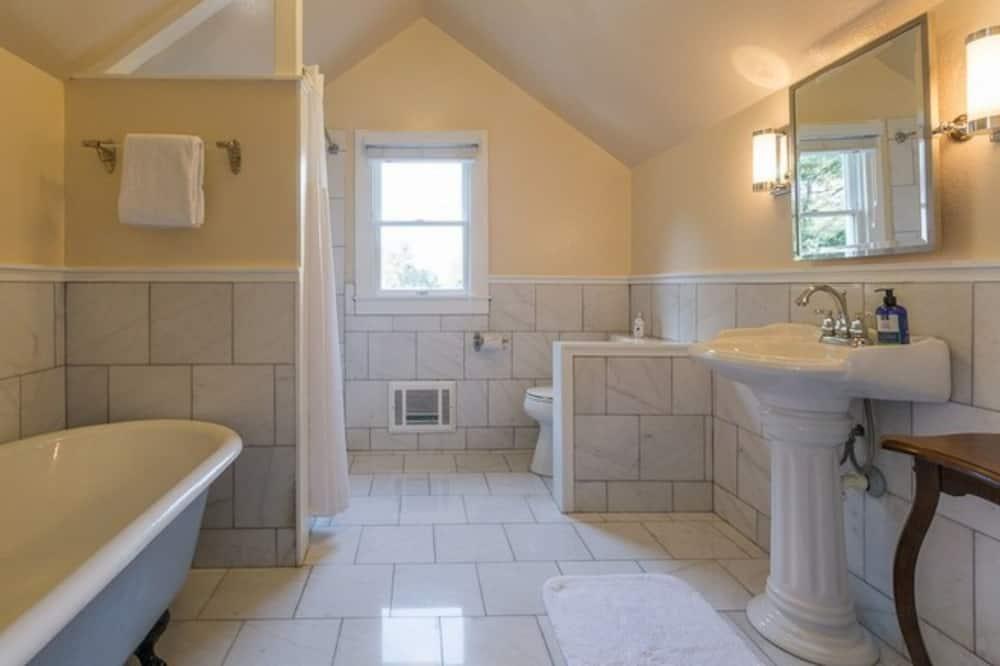 Izba (Art's Loft) - Kúpeľňa