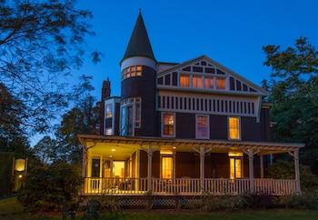 Foto Ivy Lodge Bed & Breakfast di Newport