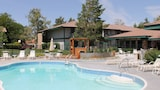 Choose This Business Hotel in Sparks -  - Online Room Reservations