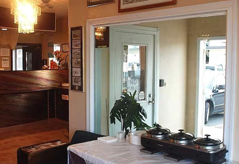 Merrill Field Inn, Anchorage, Lobby