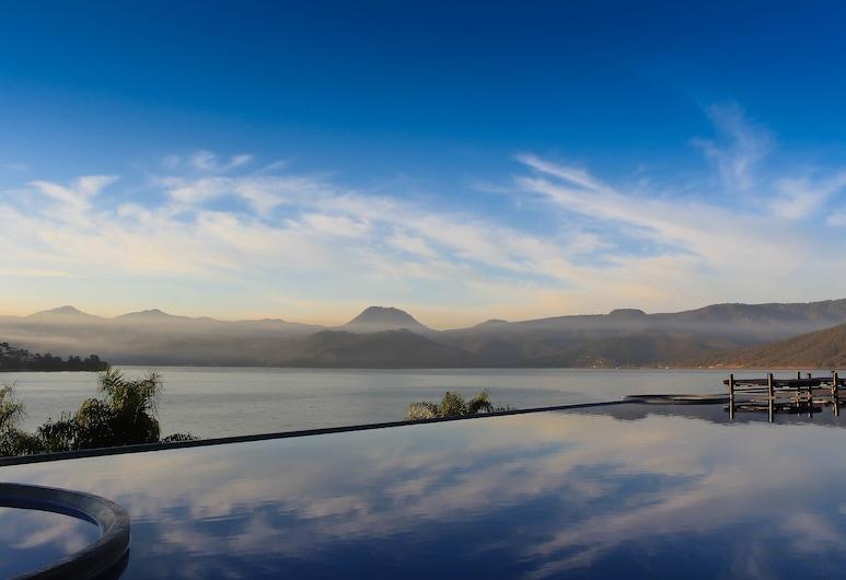 El Santuario Resort & Spa, Valle de Bravo, Piscina con borde infinito