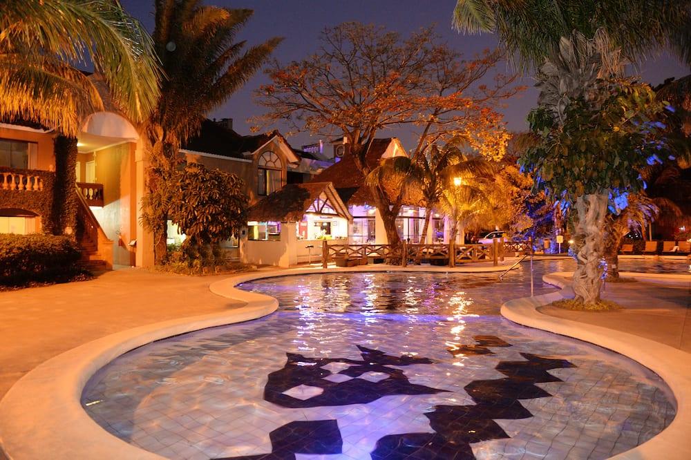 Bar ved bassenget