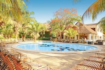 Picture of Buganvillas Hotel Suites & Spa in Santa Cruz