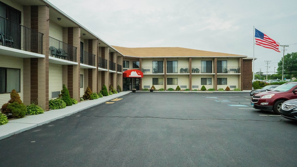 Ambassador Inn & Suites, Middletown