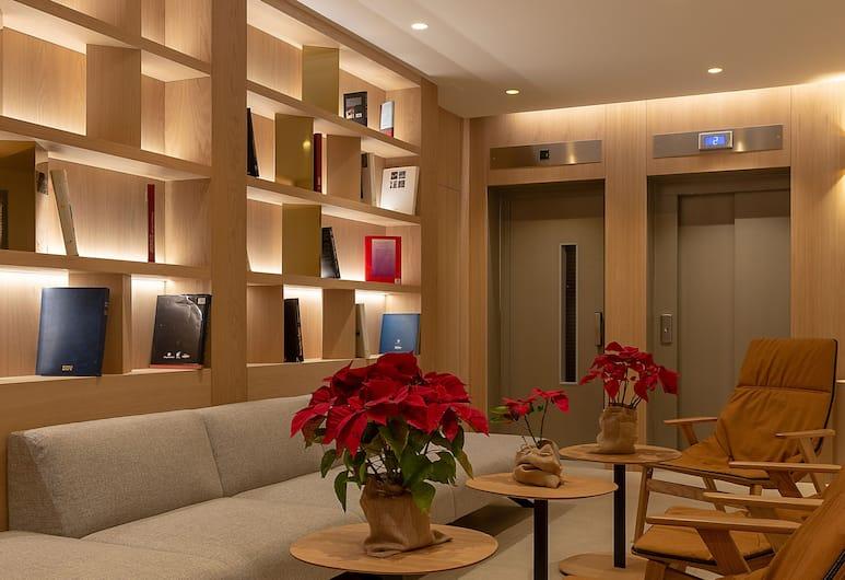 Apart-Hotel Serrano Recoletos, Madryt, Recepcja
