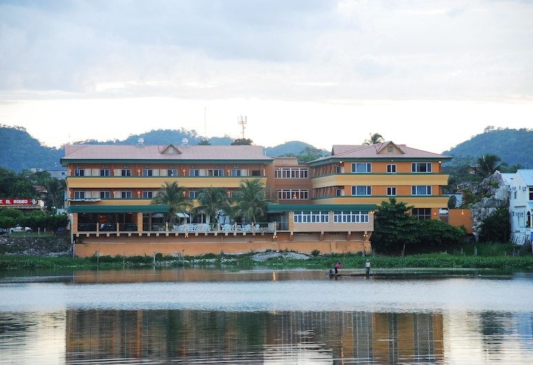 Peten Esplendido Hotel and Conference Center, Santa Elena