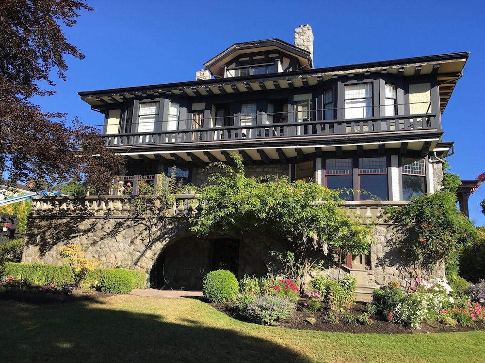 佩里奧亞城堡酒店, Victoria