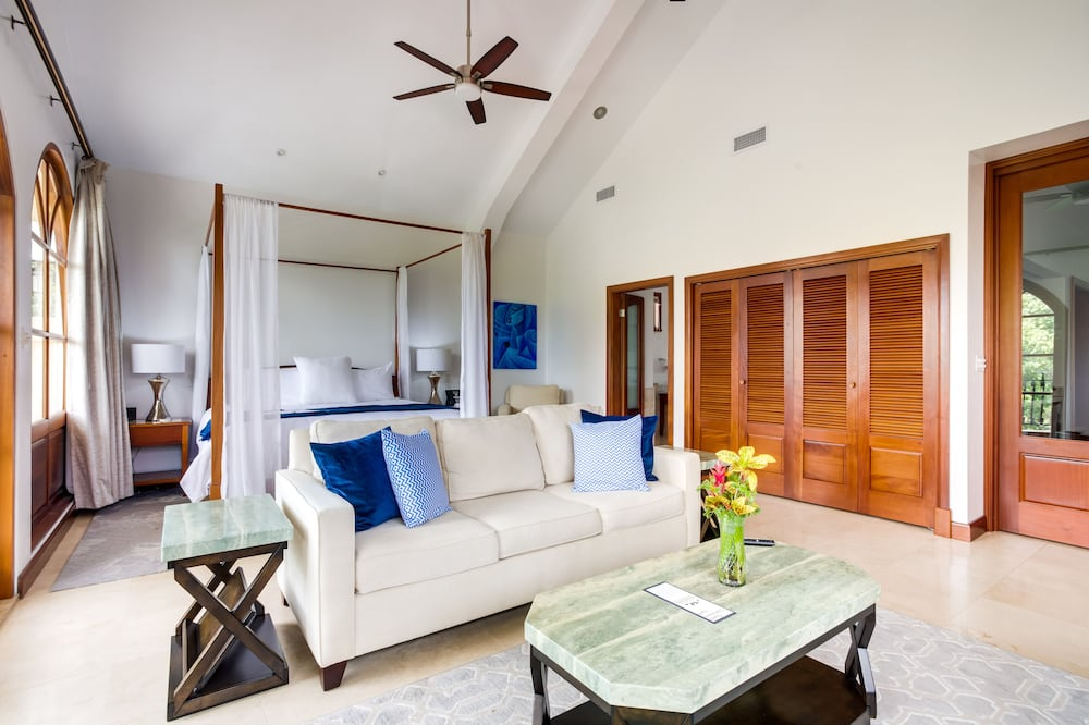 2 Bedroom Royal Suite - Living Area