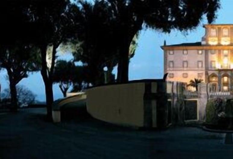 Villa Tuscolana Park Hotel, Frascati, Viešbučio fasadas