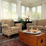 Jednolůžkový pokoj typu Deluxe, dvojlůžko (200 cm), vířivka - Obývací prostor