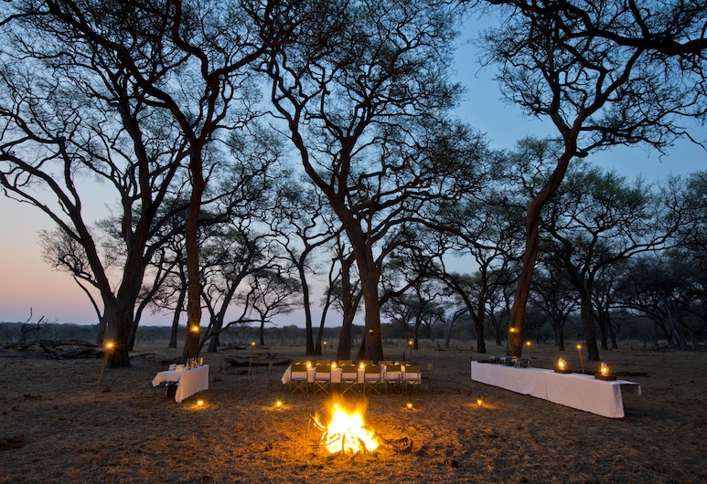 Hwange Safari Lodge, Dete, Terasa restaurace