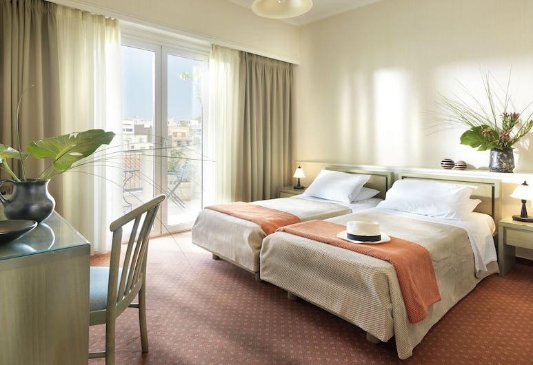 Adrian Hotel, Atėnai