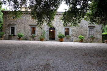 Enter your dates for special Orvieto last minute prices