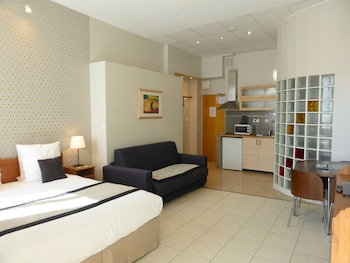 Picture of Apart'hotel Ajoupa in Nice