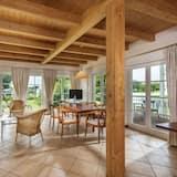 Apartment, 2 Bedrooms, Patio (Hampton) - Living Area