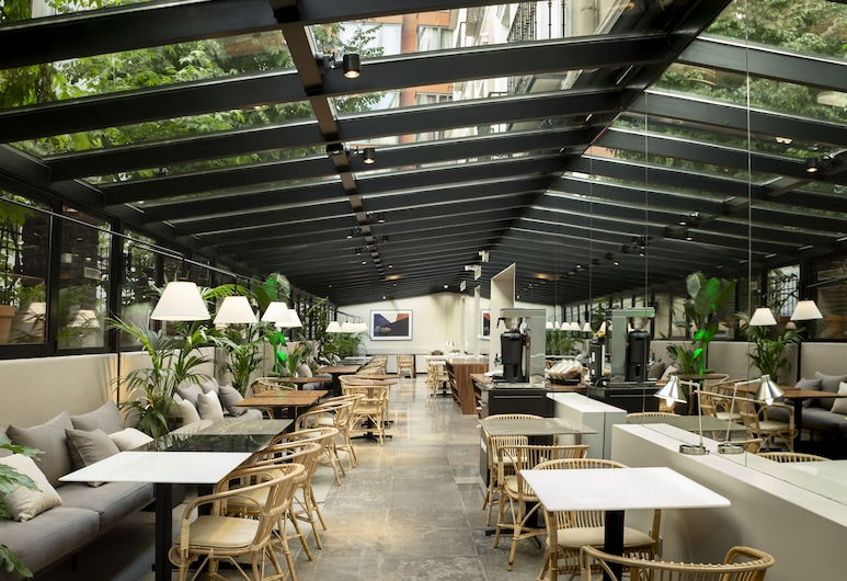 ICON Embassy by Petit Palace, Madrid, Terrasse/Patio