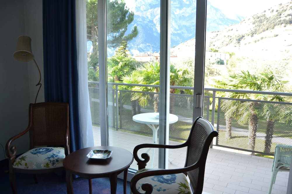 Double or Twin Room, River View - Balcony