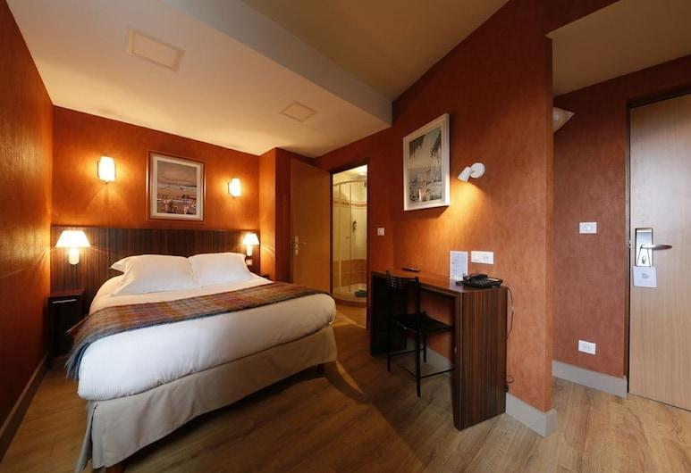 Hôtel de l'Europe, Rouen, Classic Quadruple Room, 1 Bedroom, Guest Room