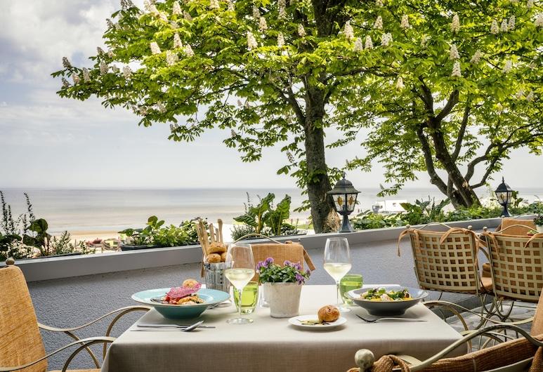 Baltic Beach Hotel & SPA, เจอร์มาลา, รับประทานอาหารกลางแจ้ง